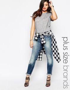 Plus Size Distressed Slim Fit Jeans