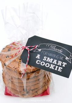 *Smart Cookie Teacher Printable* Bloom Designs Online is sharing these thanks for making me a smart cookie tags will make any teacher happy.