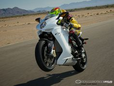 After years of speculation MV Agusta enters our 2013 Supersport test with its new F3 675.