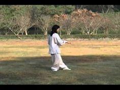 Zhang Manqin demonstrates Taiji 37-form