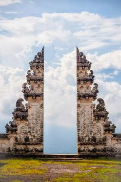 STAR GATES: WHAT WAS THE REASON TO MAKE A GATE LIKE THIS?? THOUSANDS YEARS AGO?? WHAT IS THE REAL MESSAGE THAT THEY LEFT HERE FOR US ON EARTH?? WHAT DO WE KNOW?? WHAT DO YOU SEE?? WHAT DO YOU THINK?? Mother Temple of Besakih, the largest and holiest temple in Bali.