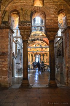 If I were to name one church in Istanbul that rivals in beauty with Hagia Sophia, it would be Chora Church. Like its controversial sister, Hagia Sophia. Turkey Destinations, Istanbul Travel, Byzantine Art, Hagia Sophia, 10 Picture, Dream City, Istanbul Turkey, Most Visited, Beautiful Architecture