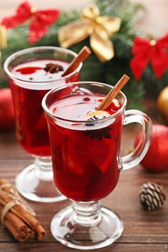Give sangria a holiday twist by making a mulled wine studded with red and green fruit. Red Sangria Recipes, Drink Recipes, Christmas Sangria, Christmas 2019, Spiced Wine, I Chef, Mulled Wine, Sangria Wine, Summer Drinks