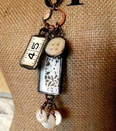 Copper, Glass and Recycled Trash: Stitching Memories Necklace Recycled Jewelry, Old Jewelry, Jewelry Crafts, Jewelry Art, Vintage Jewelry, Jewelry Design, Jewelry Making, Jewlery, Jewelry Ideas