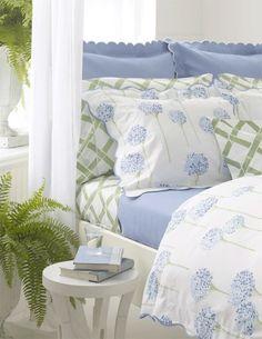 Dreamy garden bedroom decor