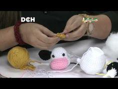 Crochet Cow, Crochet Animals, Free Crochet, Amigurumi Tutorial, Amigurumi Patterns, Crochet Patterns, Paper Flowers Craft, Crochet Keychain, Crochet Videos