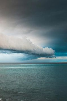 Lovely cloud formation over the sea...