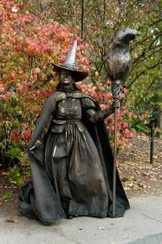 The Wicked Witch? Living Statue - Perfect for a Halloween party!