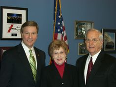 Today's #tbt is of me with my friends Julie and Wren Munroe of Talladega during their visit to DC in 2007.