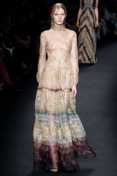 Valentino Fall 2015 Ready-to-Wear Collection Photos - Vogue