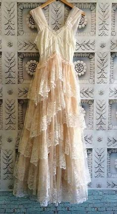 Western Wedding Dresses, Wedding Dress Trends, Boho Wedding Dress, Boho Dress, Lace Dress, Wedding Lace, Shabby Chic Dress, Bohemian Outfit, Vintage Lace Weddings