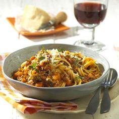 Spaghetti mit Kürbis-Bolognese Rezept | LECKER