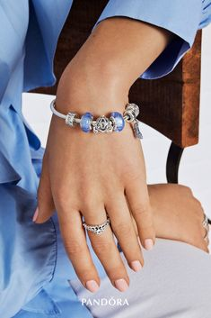 Celebrate your inner princess with our PANDORA Disney charms inspired by the fairytale of Cinderella. Adorned with blue Murano glass and cubic zirconia, they will add a sparkle to every outfit.