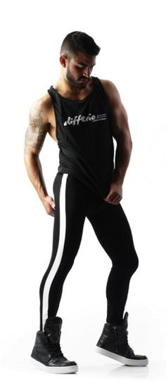 RUN COMPRESSION TIGHTS Book your copy before the end of the promotion! This Run Compression Tight has been developed with a detailed understanding of the impact running has on the Mode Masculine, Leggings, Funky Tights, Next Clothes, Mens Activewear, Athletic Fashion, Spandex, Body, Pants