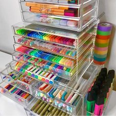 Mi cuarto craft organization, craft room storage y organization. Stationary Organization, Craft Organization, Organizing Art Supplies, Art Supplies Storage, Stationary Supplies, School Supplies Organization, Organising, Craft Supplies, Study Room Decor
