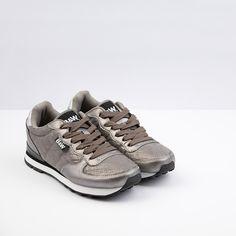 Jogging Acolchado color Plata