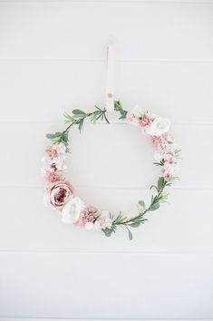 Great Photos Laurel Wreath noel Ideas A new laurel wreath is usually a wreath that is manufactured with all the foliage along with offices #Great #Ideas #Laurel #noel #Photos #Wreath
