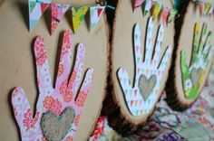 Gifts From The Heart ~ Hand print Gift Tutorial Put a date on heart.Mother's day, Father's day, etc. Mothers Day Crafts For Kids, Fathers Day Crafts, Fun Crafts For Kids, Crafts To Do, Diy For Kids, Homemade Mothers Day Gifts, Mother Day Gifts, Craft Gifts, Diy Gifts