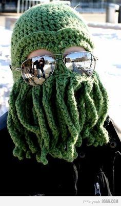 idealne  nad morze zimą bo  warkoczyki są luzem i nie zamarzająpewnie od oddechu jak  kominiarka :)