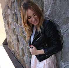 Marie-Mai et l'urgence de vivre à fond - Entrevue exclusive HollywoodPQ (partie 2) | HollywoodPQ.com Marie, Cool Style, Mini Skirts, Leather Jacket, Style Inspiration, Long Hair Styles, Stars, Celebrities, People