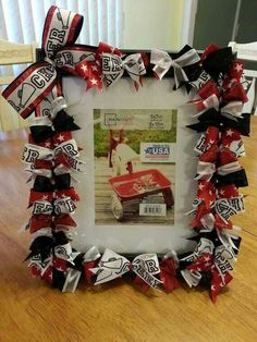 Custom Cheering Picture Frame made to match your by CheerOnGifts. Would be a wicked fun craft for cheer camp! Cheer Coach Gifts, Cheer Coaches, Cheerleading Gifts, Cheer Gifts, Team Gifts, Cheer Bows, Softball Gifts, Basketball Gifts, Football Cheer