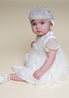 Baby\'s Christening Gowns with Appliques in Tulle