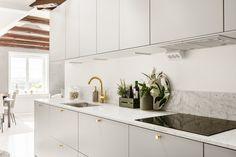 En till Solo Magazine webbplats Kitchen Interior, Interior Design Living Room, Interior Design Sketches, Apartment Living, Kitchen Cabinets, Marble, Brass, Home Decor, Laundry Room