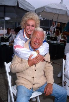 Actors Eva Gabor and Eddie Albert