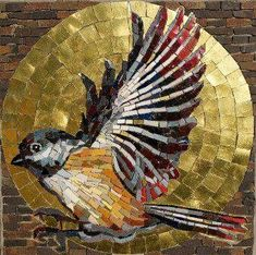 Maria Helena Ferraz ~ Mosaic Bird in Gold Disc Mosaic Animals, Mosaic Birds, Mosaic Crafts, Mosaic Projects, Mosaic Designs, Mosaic Patterns, Stained Glass Art, Mosaic Glass, Sicis Mosaic