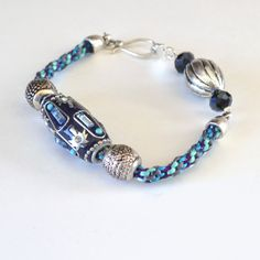 Using a Too Short Kumihimo Braid for a pretty beaded bracelet - tutorial.