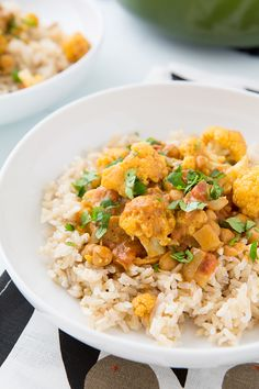 cauliflower and chickpea coconut curry Prep Time: 10 minutes Cook Time: 30 minutes Total Time: 40 minutes Yield: 6 servings An easy co...