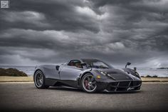 Pagani - Too over the top, but a nice shot