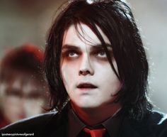 Gerard Way video for Helena-Three Cheers For Sweet Revenge