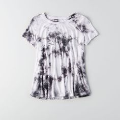 AE Soft & Sexy Graphic Swing T-Shirt ($25) ❤ liked on Polyvore featuring tops, t-shirts, white, white crew neck t shirt, white t shirt, white graphic t shirt, white jersey and tie dye t shirts
