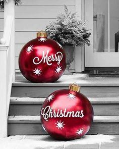 Outside Christmas Decorations, Beautiful Christmas Decorations, Christmas Porch, Farmhouse Christmas Decor, Noel Christmas, Simple Christmas, Christmas Crafts, Outdoor Decorations, Christmas Ideas
