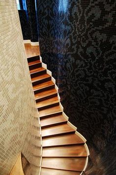 Over the top Bisazza tile