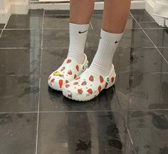 Cutest trendy aesthetic crocs white with strawberries on them Sock Shoes, Cute Shoes, Me Too Shoes, Funny Shoes, Aesthetic Shoes, Aesthetic Clothes, Urban Aesthetic, Crocs, Socks Outfit