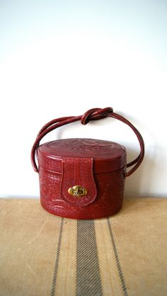 60s Tooled Leather Bag. Vintage Mexican Souvenir. Bucket Bag / Train Case / Handbag. Oxblood / Burgundy Tooled Leather.