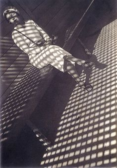 It's an Alexander Rodchenko sort of day! Girl with a Leica, 1934 (c) A. Rodchenko - V. Stepanova Archive, Moscow House of Photography. © Estate of Alexander Rodchenko/VAGA Alexander Rodchenko, Shadow Photography, Art Photography, Leica Photography, Photography Office, Photomontage, Russian Constructivism, Fotografia Social, Russian Avant Garde