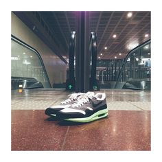 the best attitude 0f769 b40bb Nike Air Max Lunar 1 White Black – Cool Grey – Volt. This shoe