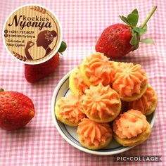 Apit strawberry. Order via wa : 081 737 8079