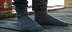 Ravelry: Fisherman's socks pattern by Mia Dehmer / VickeVira Sock Crafts, Knitting Videos, Knitting Socks, Knit Socks, Stockinette, Ravelry, Knit Crochet, Slippers, Patterns