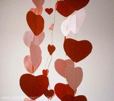 San Valentino: una giostra di cuori appesi!