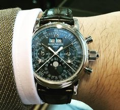 A super rare unique ocean blue dial perpetual calendar split seconds chronograph from sir eric clapton collection. #patekphilippe #patekcollector #patekaholic #5004 #splitseconds #ratrappante #luxurydays #perpetualcalendar #chronograph #splitseconds #ericclapton #philippsauctions