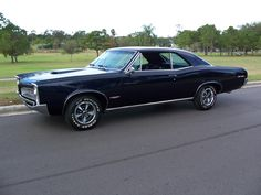 1967 Pontiac | 1967, the GTO took on a new look with vertical headlamps and other ...
