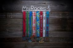 Support à médailles MY RACES homme entièrement fait au Québec!