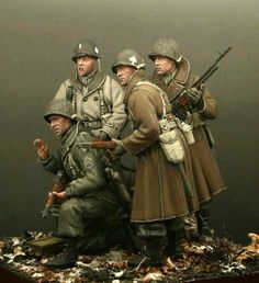 Incredible Painting US Airborne (Dragon Models) + Hornet Heads - by Günther Sternberg. American Soldiers, Toy Soldiers, Ww2 Uniforms, Military Action Figures, Military Modelling, Military Diorama, Figure Model, Art Model, Military History