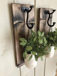 ♡ D E S C R I P T I O N ♡ This wall sconce is a great addition to your home decor with beautiful spring colors! These sets are perfect for any wall in your home, sure to add color to your office, kitchen or living room. Set shown is an antique white … Mason Jar Sconce, Mason Jars, Diy Wand, Vasos Vintage, Cheap Home Decor, Diy Home Decor, Rustic Wall Sconces, Antique Wall Decor, Farmhouse Wall Decor