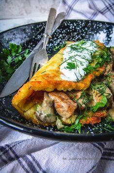 Pork Recipes, Cake Recipes, Calzone, Spanakopita, Food Porn, Turkey, Chicken, Meat, Dinner
