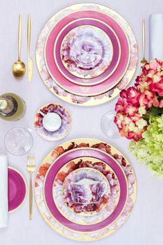Как украсить праздничный стол цветами из собственного сада